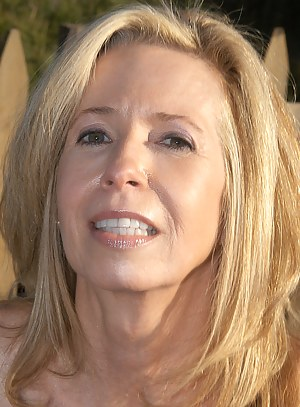 Nude MILF Face Porn Pictures