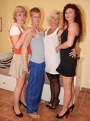 Nude MILF Foursome Porn Pictures