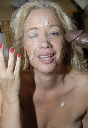 Nude MILF Facial Porn Pictures
