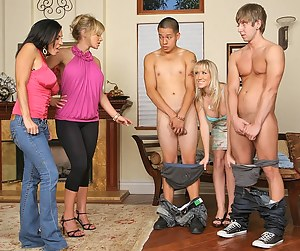 Nude MILF Group Sex Porn Pictures