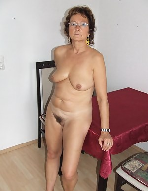 Nude MILF Glasses Porn Pictures