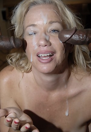 Nude MILF Bukkake Porn Pictures