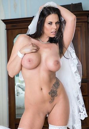 Nude MILF Bride Porn Pictures