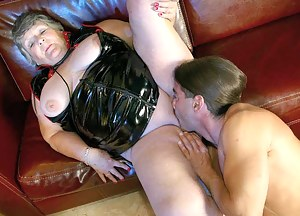 Nude MILF Latex Porn Pictures