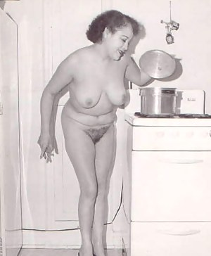 Nude MILF Vintage Porn Pictures