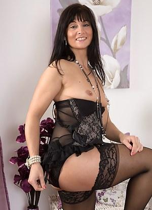 Nude MILF Lingerie Porn Pictures