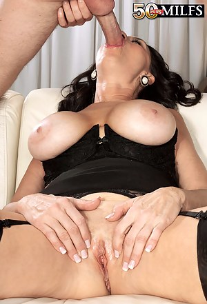 Nude MILF Face Fuck Porn Pictures