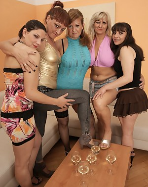 Nude MILF Party Porn Pictures