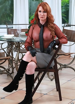 Nude MILF Boots Porn Pictures