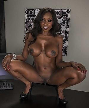 Nude MILF Big Black Tits Porn Pictures