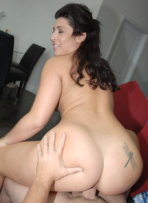Nude MILF Tattoo Porn Pictures
