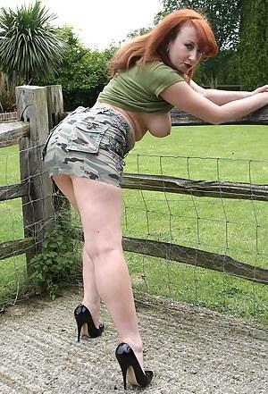 Nude MILF Farm Porn Pictures