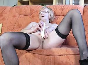 Nude MILF Dildo Porn Pictures