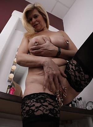 Nude MILF Bizarre Porn Pictures