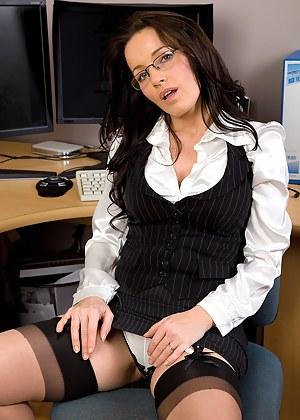 Nude MILF Secretary Porn Pictures