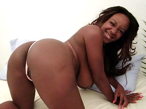 Nude Black MILF Ass Porn Pictures