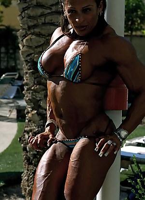 Nude MILF Bodybuilder Porn Pictures